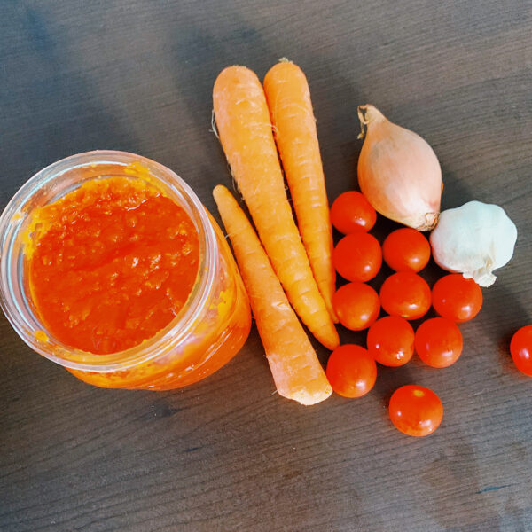 Tomato fondue and the ingredients